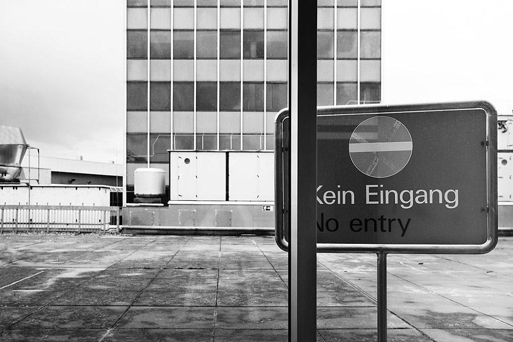Anna-Lena-Thamm-Frankfurt-Airport-Warteschleife03.jpg
