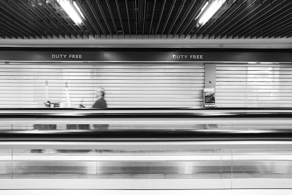 Anna-Lena-Thamm-Frankfurt-Airport-Warteschleife05.jpg
